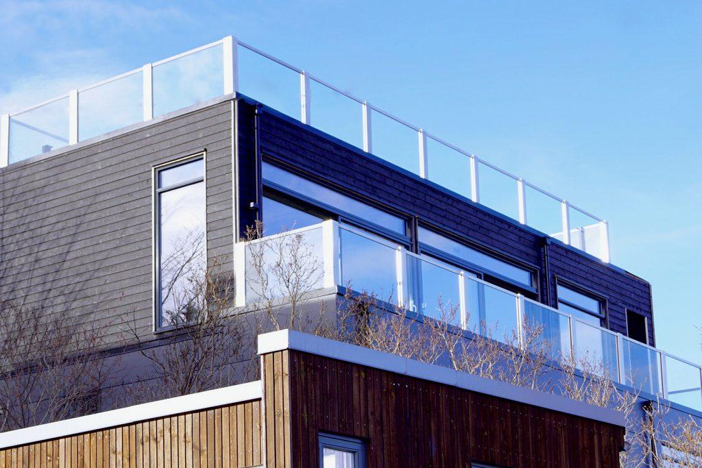 Glassrekkverk i design Sonate En på terrasse og takterrasse