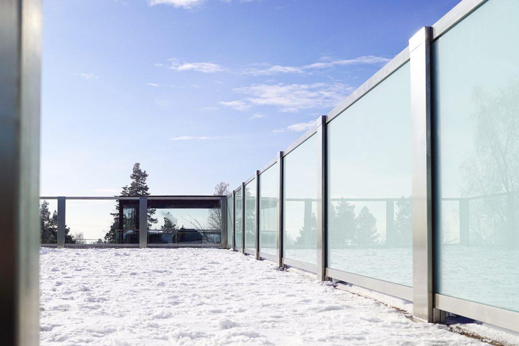 Glassrekkverk i design Sonate En, takterrasse på Jar
